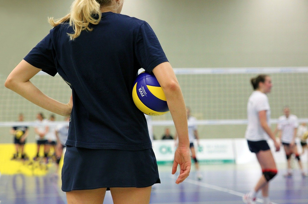 https://www.sv-eiche.de/wp-content/uploads/volleyball-520083_1280.jpg
